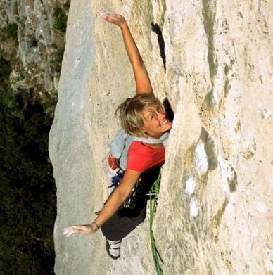 Vivi climbing
