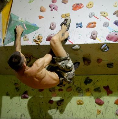 MadMonkeyz Climbing Gym by Mariusz Samól