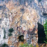 Damai Wall, Batu Caves by Mariusz Samól