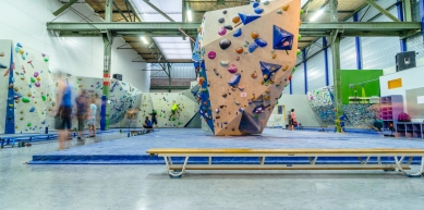 A picture from Bouldercentrum Delfts Bleau by Lepyruvate Outdoor