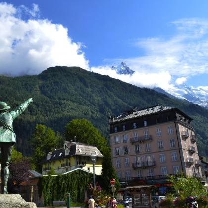 Chamonix - Mont Blanc by César Muñoz