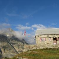 Lauteraarhütte SAC by Bart Vaganée