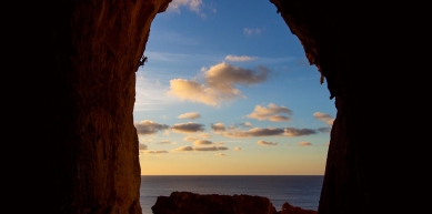 A picture from Grotta del Cavallo by Kuba Thiele-Wieczorek