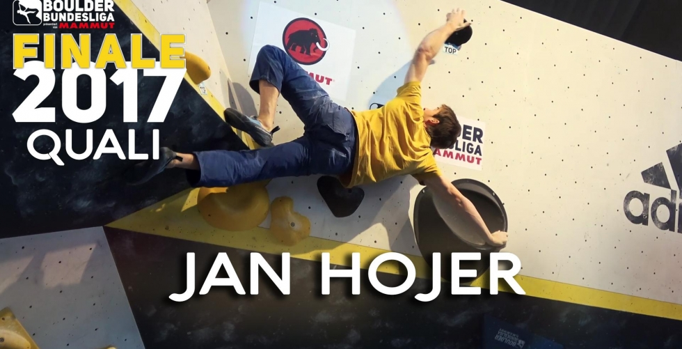 Jan Hojer runs up the final qualification problems at the Boulder Bundesliga 2017. in Climbmax