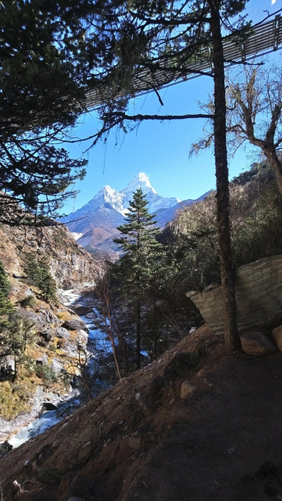A picture from Ama Dablam by Slavenko Bozic