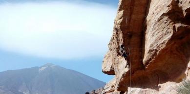 A picture from El Capricho, Parque Nacional del Teide by Jose Red