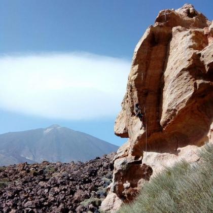 El Capricho, Parque Nacional del Teide by Jose Red