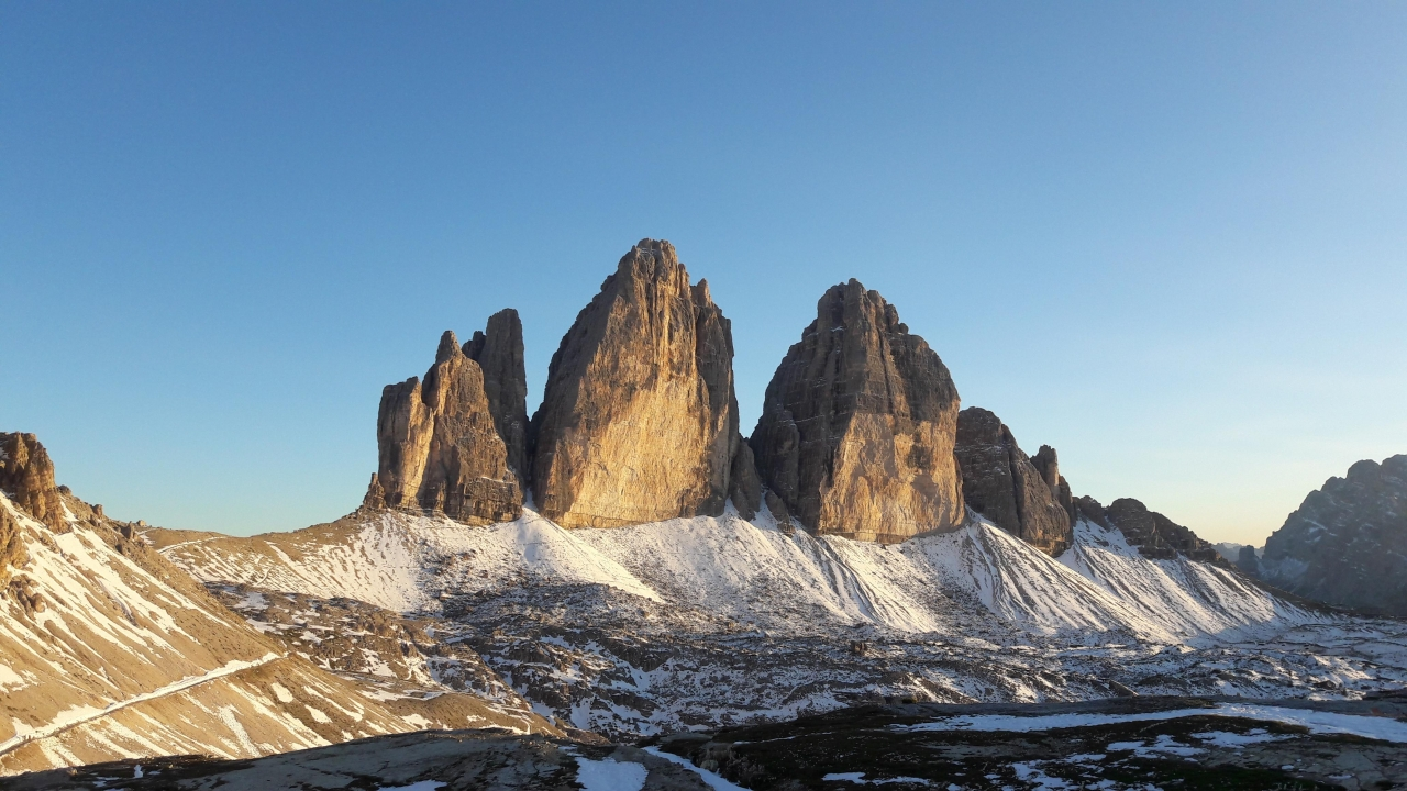A picture from Tre Cime di Lavaredo by Raphael F