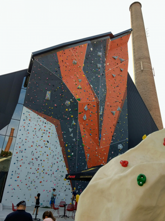 A picture from CMC Climbing Mulhouse Center by Elie Dumas
